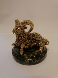 бронзовая отливка баран