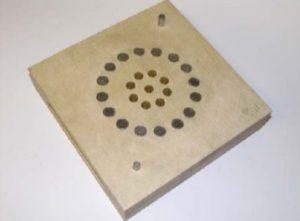 Рисунок 6 – Пластина C (новая) с 16x10мм Super вентами и 9x8мм, 0.3мм щелевидными вентами. Открытая площадь вент = 584мм2